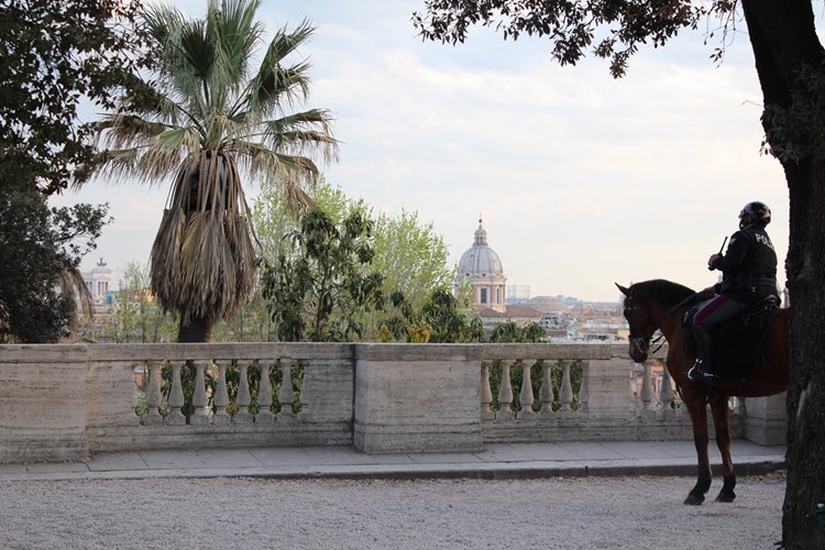 Roma dall'alto: Pincio, romantico e fiero