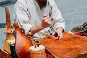 I ''baullari'', l'antica arte del cuoio