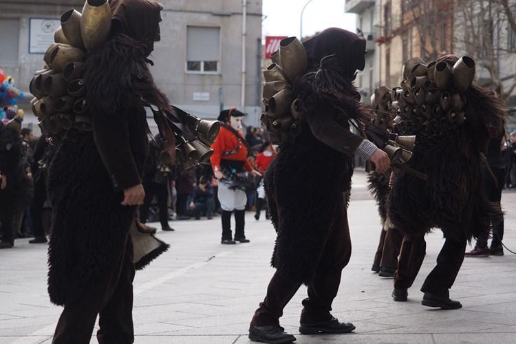 Con i Mamutzones, al Carnevale di Samugheo