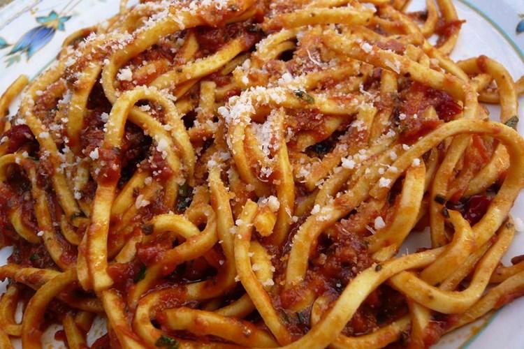 Spaghetti alla Chitarra al Ragù Misto