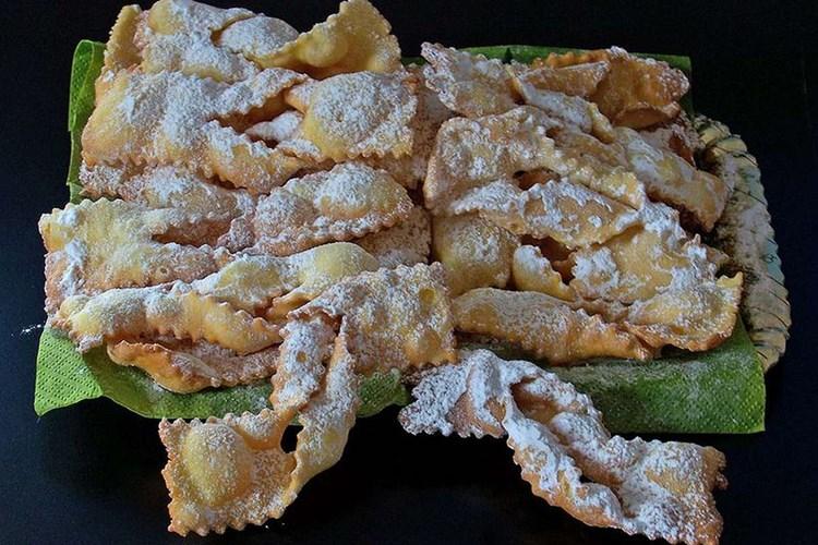 Crostoli ( o Chiacchiere)