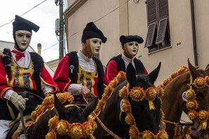 Cavalieri e Carnevale: La Sartiglia