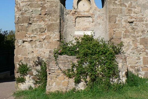Fontanile di Benedetto XIV nel Parco degli Acquedotti