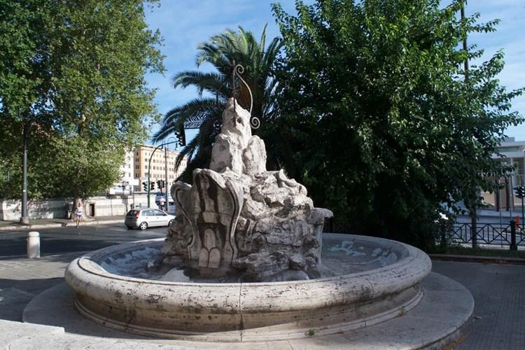Fontana del Navigante