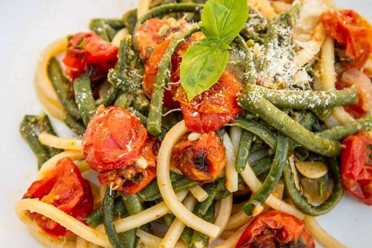 Pasta Pomodori Fagiolini e Cacioricotta